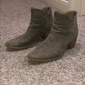 Shoes - Taupe almond wood heeled boots!